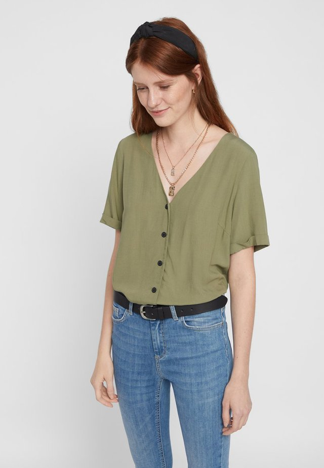 PCCECILIE - Button-down blouse - deep lichen green