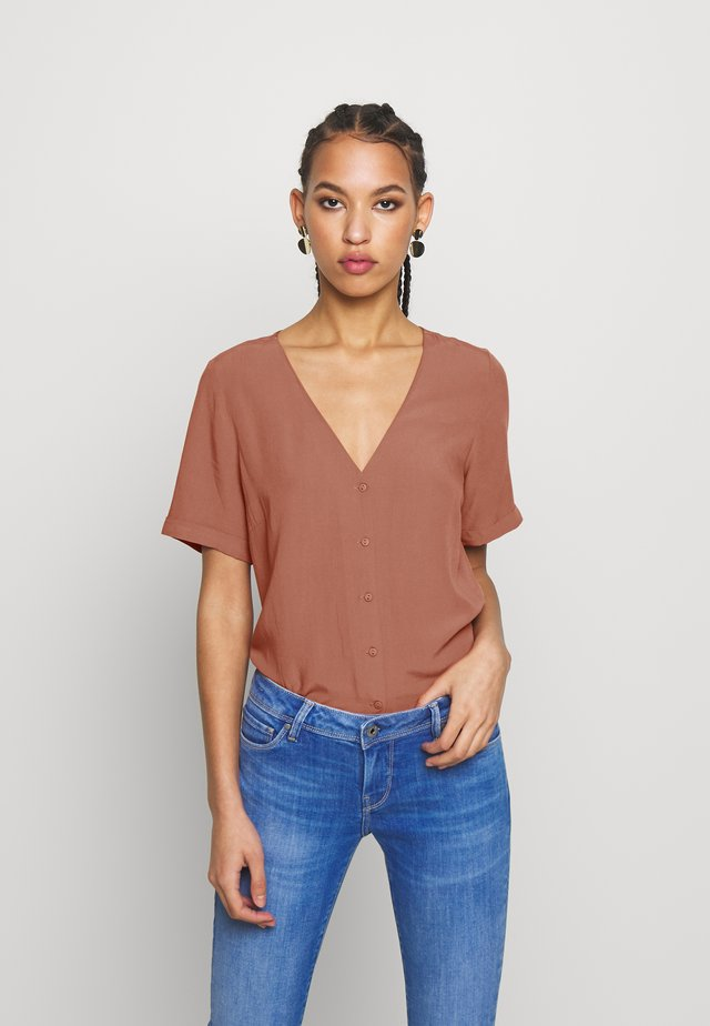 PCCECILIE - Button-down blouse - copper brown