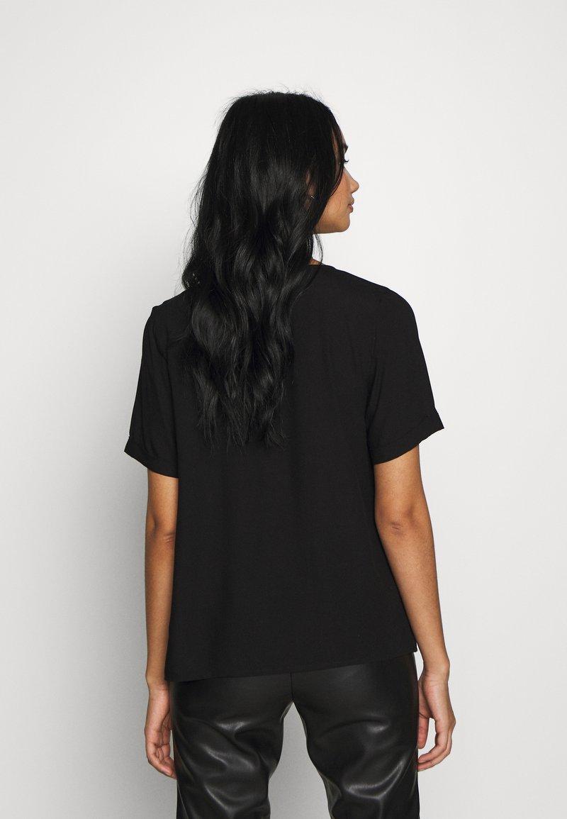 Pieces PCCECILIE - Camicia - black TivLn1 fashion style