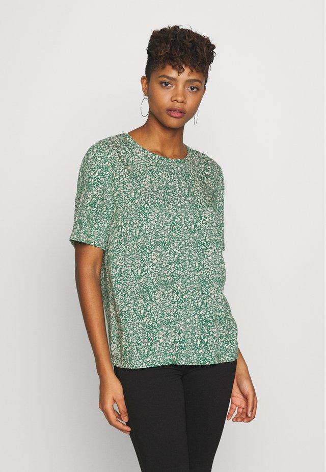 PCNYA - Blouse - verdant green