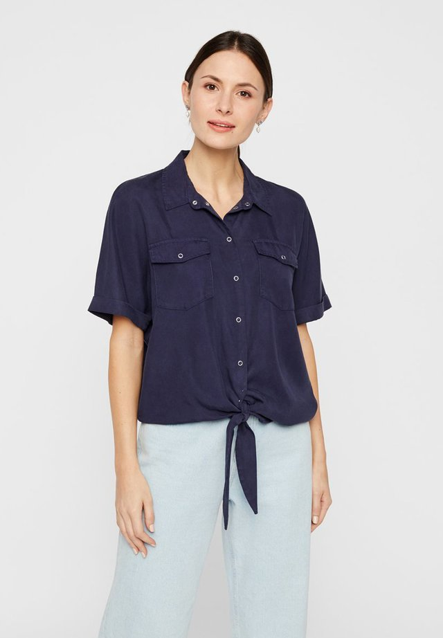 PIECES HEMD BINDEKNOTEN LYOCELL - Button-down blouse - evening blue