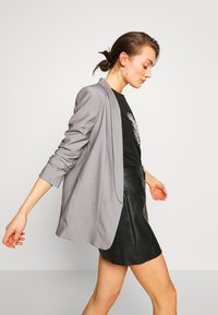 Pieces - PCBOSS  - Blazer - light grey melange - 3