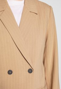Pieces - BLAZER - Blazer - tannin/cloud dancer - 5