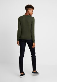 Pieces - PCHESERA KNIT - Jumper - forest night - 2