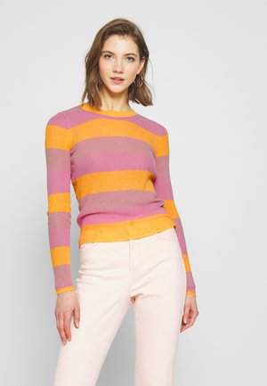 PCNAJA LS O NECK KNIT - Strikkegenser - misty rose/sea pink/artisans gold