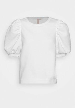 PCJASSI - T-shirt z nadrukiem - bright white