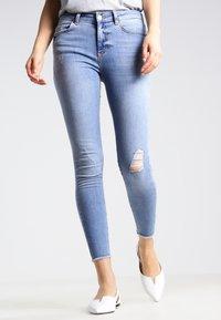Pieces - PCFIVE DELLY - Skinny džíny - light blue denim - 0