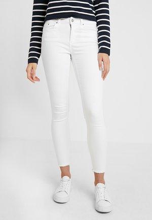 Skinny-Farkut - bright white