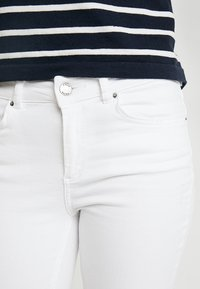 Pieces - Jeans Skinny Fit - bright white - 3