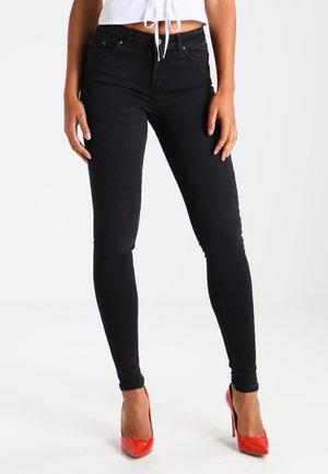 PCFIVE DELLY - Skinny džíny - black