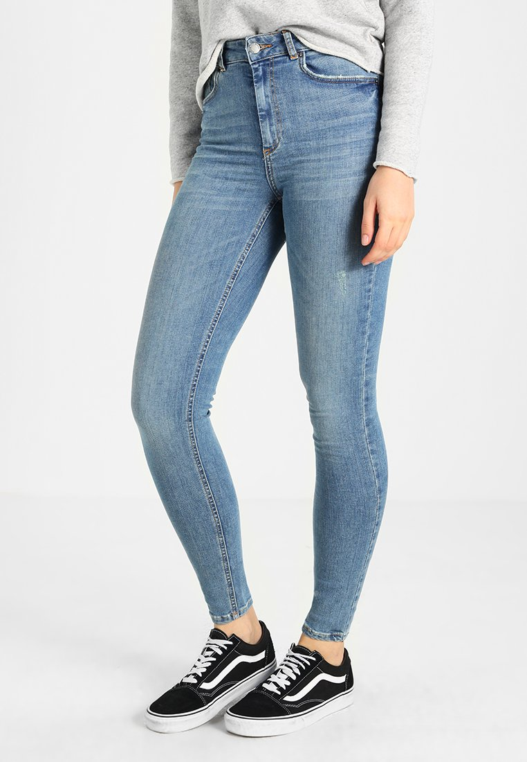 Pieces - PCHIGHFIVE DELLY - Jeans Skinny Fit - light blue denim