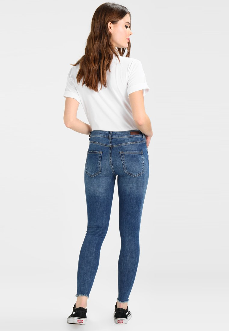 Pieces PCFIVE DELLY - Jeansy Skinny Fit - medium blue denim