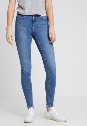 PCDELLY - Slim fit jeans - medium blue denim