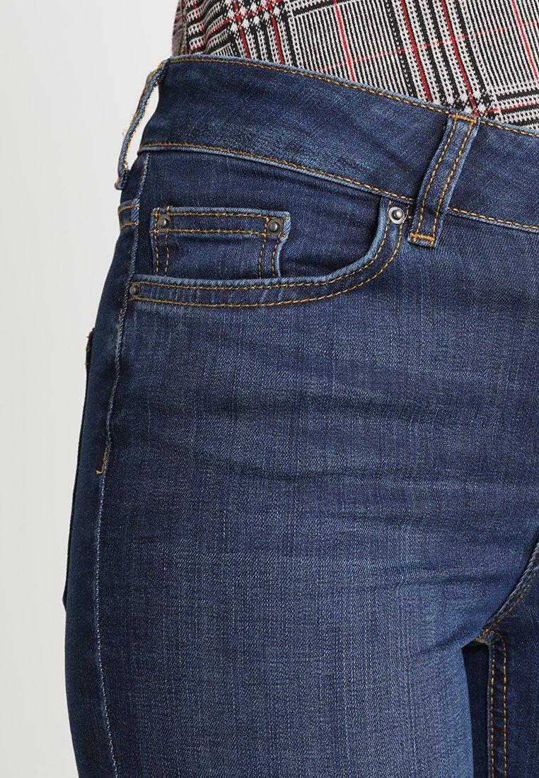 Pieces PCFIVE DELLY - Jeansy Skinny Fit - dark blue denim