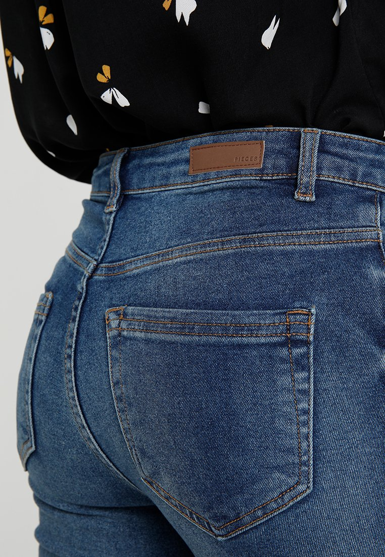 Pieces PCHIGHFIVE FLEX - Jeansy Skinny Fit - medium blue denim