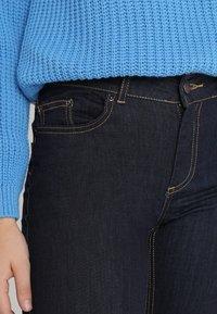 Pieces - PCFIVE DELLY - Skinny džíny - dark blue denim - 4