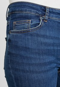 Pieces - PCDELLY - Jeans Skinny Fit - medium blue denim - 4