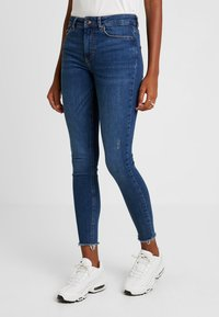Pieces - PCDELLY - Vaqueros pitillo - medium blue denim - 0