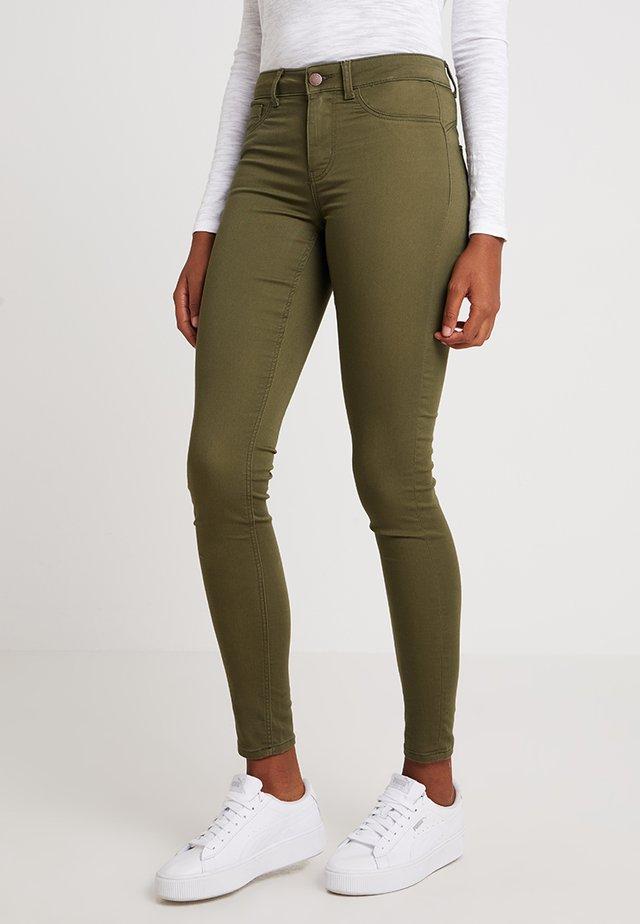PCSAGE SHAPE UP ULTRA - Jeans Skinny Fit - olive night