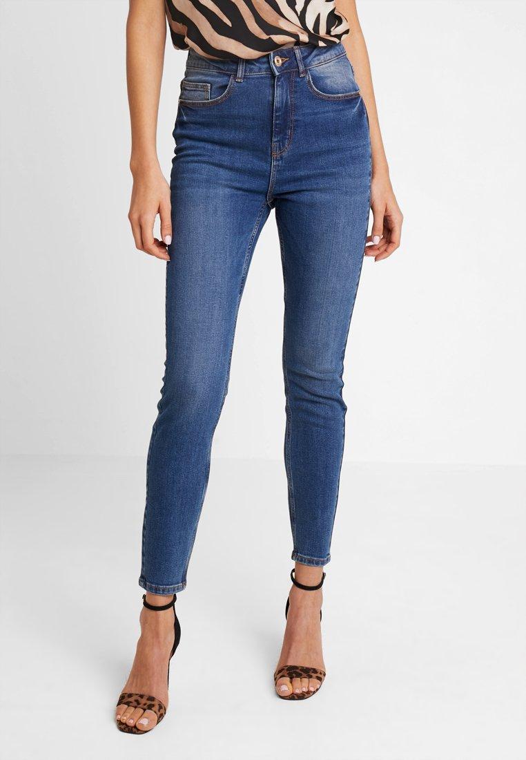 Pieces - PCNINA - Jeans Skinny Fit - dark blue denim