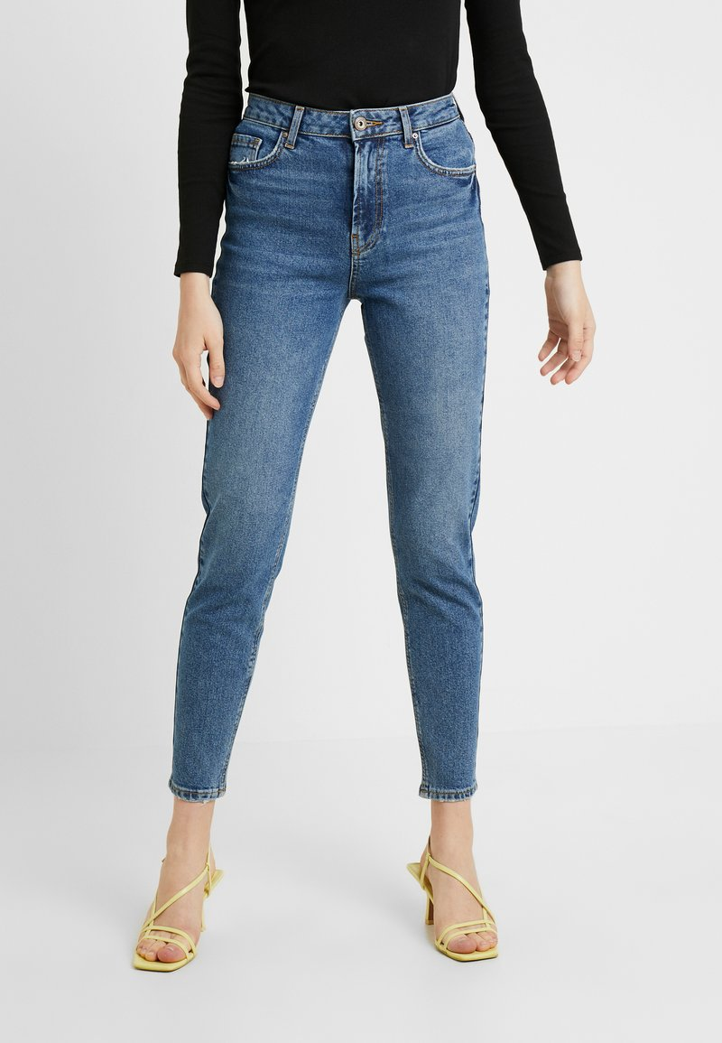 Pieces - PCLEAH MOM - Relaxed fit jeans - medium blue denim