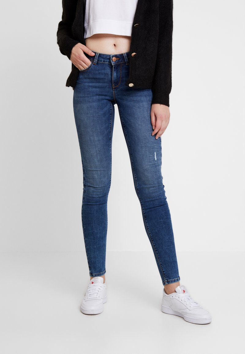 Pieces - PCKIM LOW RISE - Jeans Skinny Fit - medium blue denim