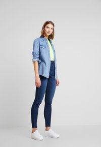 Pieces - Jeans Skinny Fit - dark blue denim - 1