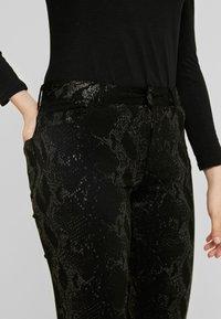 Pieces - PCJACY GLITTER SNAKE - Jeans Skinny Fit - black - 5