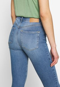 Pieces - NORA - Jeansy Skinny Fit - light blue denim - 5