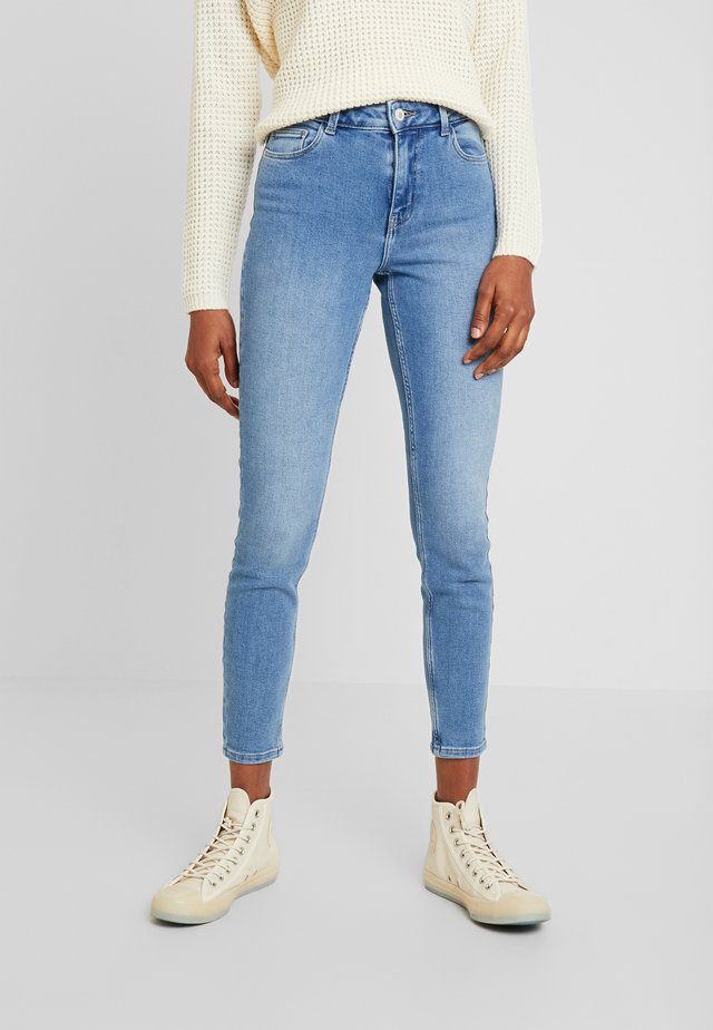 PCKAMELIA - Jeansy Skinny Fit - light blue denim