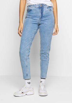 MOM ELASTIC WAIST - Relaxed fit jeans - light blue denim