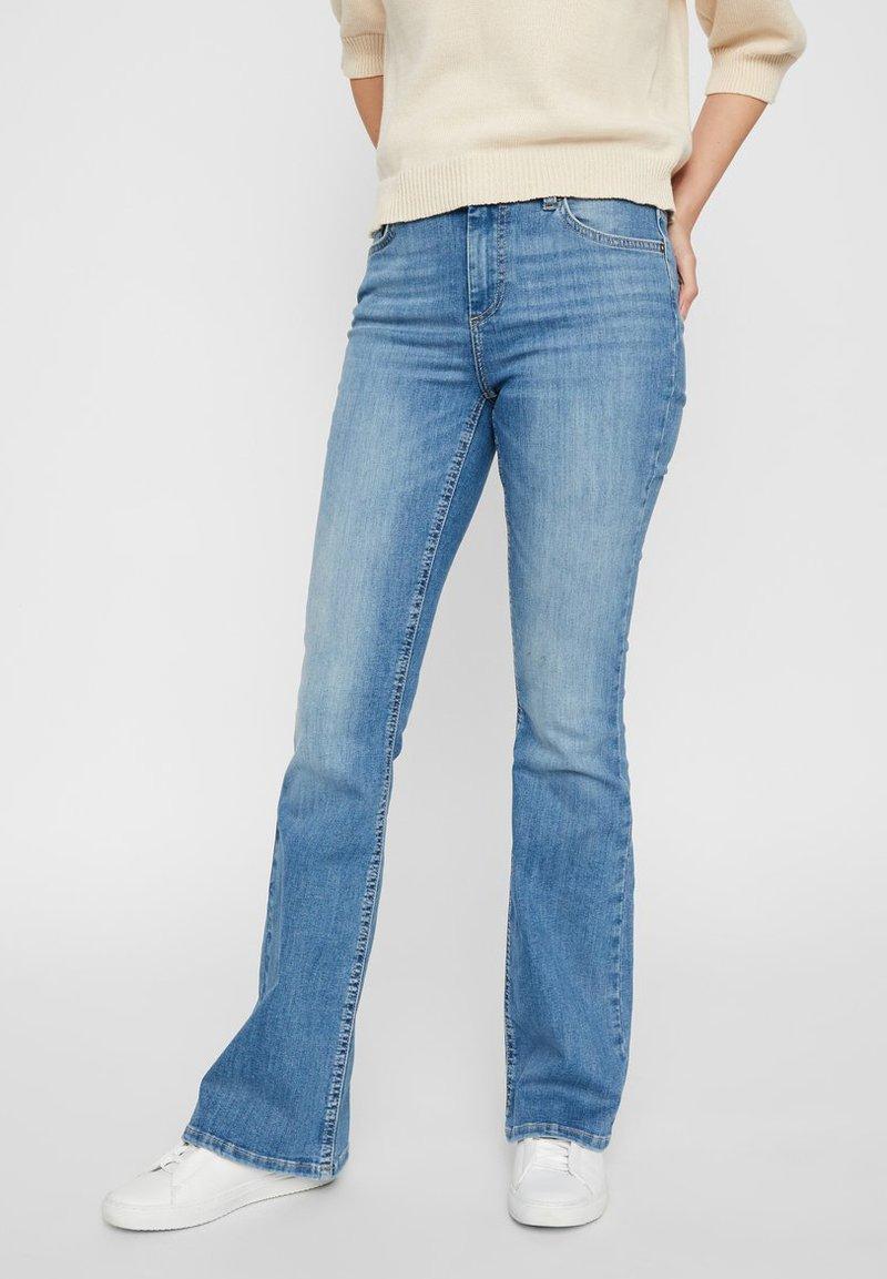 Pieces - Flared Jeans - light blue denim
