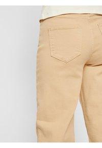 Pieces - Straight leg jeans - warm sand - 1