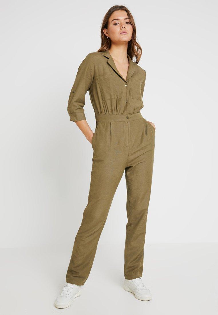 Pieces - PCANN 3/4 - Jumpsuit - covert green