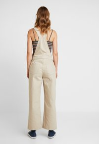 Pieces - PCHAILY DUNGAREE - Tuinbroek - white pepper - 2