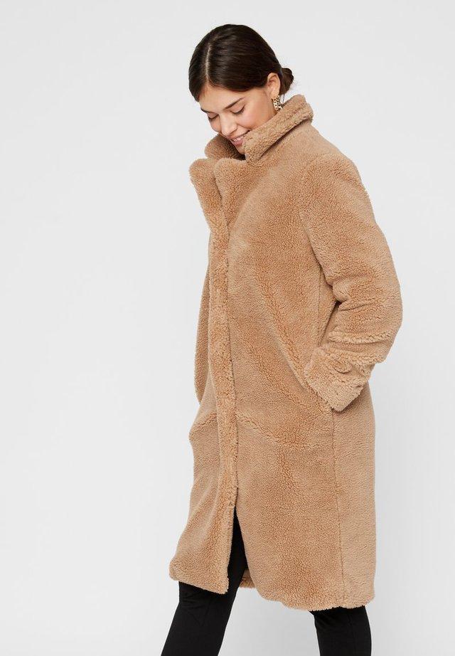 Płaszcz zimowy - tannin