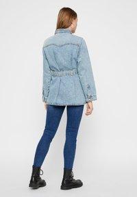 Pieces - Veste en jean - light blue denim - 2