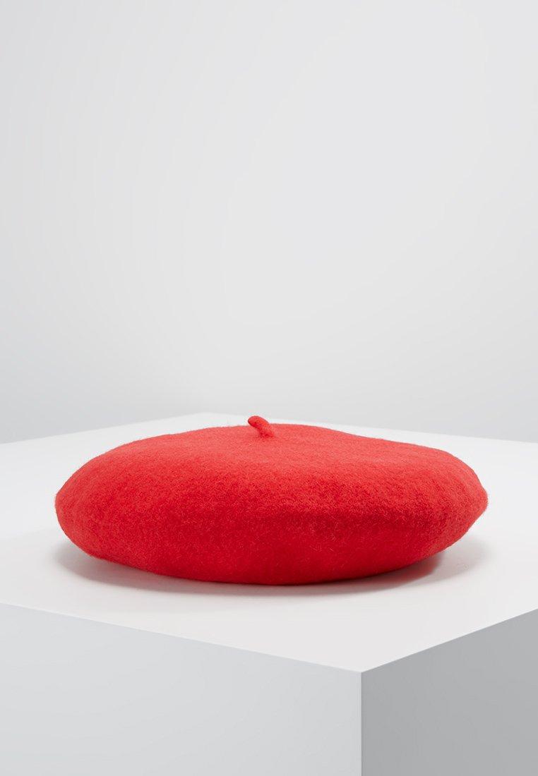 Pieces - Hatt - high risk red