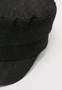 Pieces - PCSABRINA BAKER BOY HAT - Kšiltovka - dark grey - 5