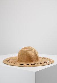Pieces - PCBEA STRAW  - Hattu - beige - 2