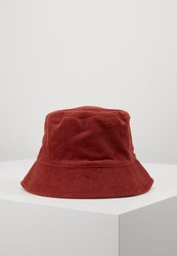 Pieces - PCJIOLA BUCKET HAT - Hat - chili oil - 0