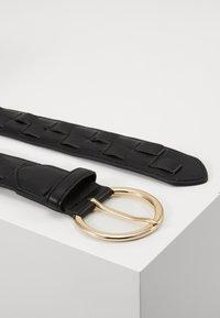 Pieces - PCJYDA WAIST BELT KEY - Midjebelte - black/gold-coloured - 1