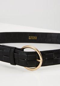 Pieces - PCJYDA WAIST BELT KEY - Midjebelte - black/gold-coloured - 2