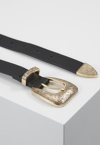 Pieces - PCJURAH WAIST BELT KEY - Riem - black/gold-coloured - 0