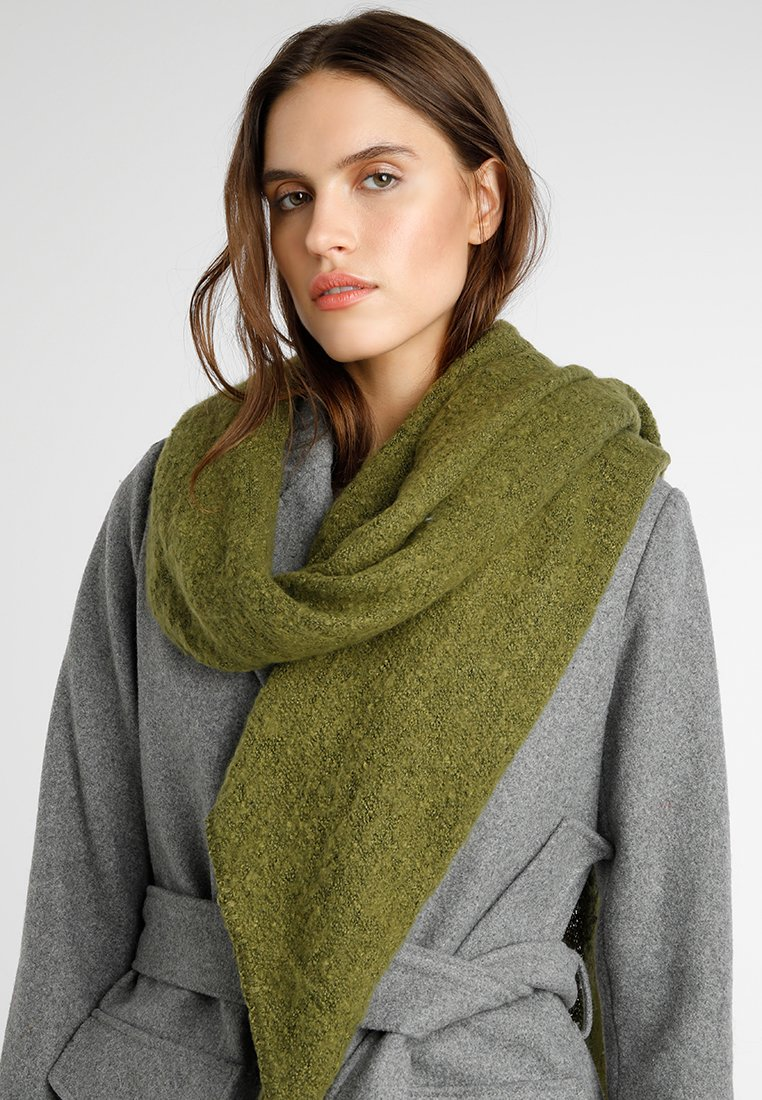 Pieces - PCPYRON LONG SCARF - Scarf - winter moss