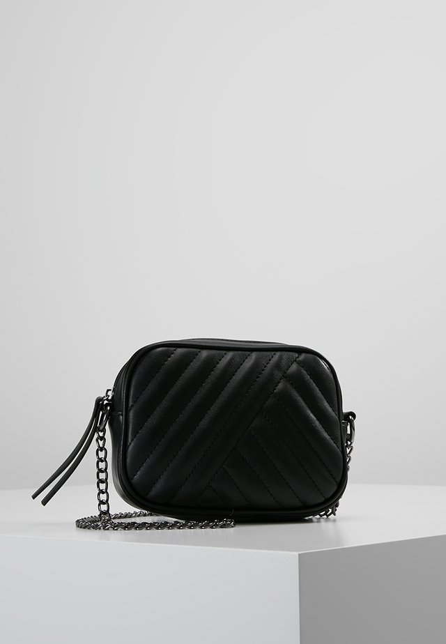 PCBABA CROSS BODY - Axelremsväska - black
