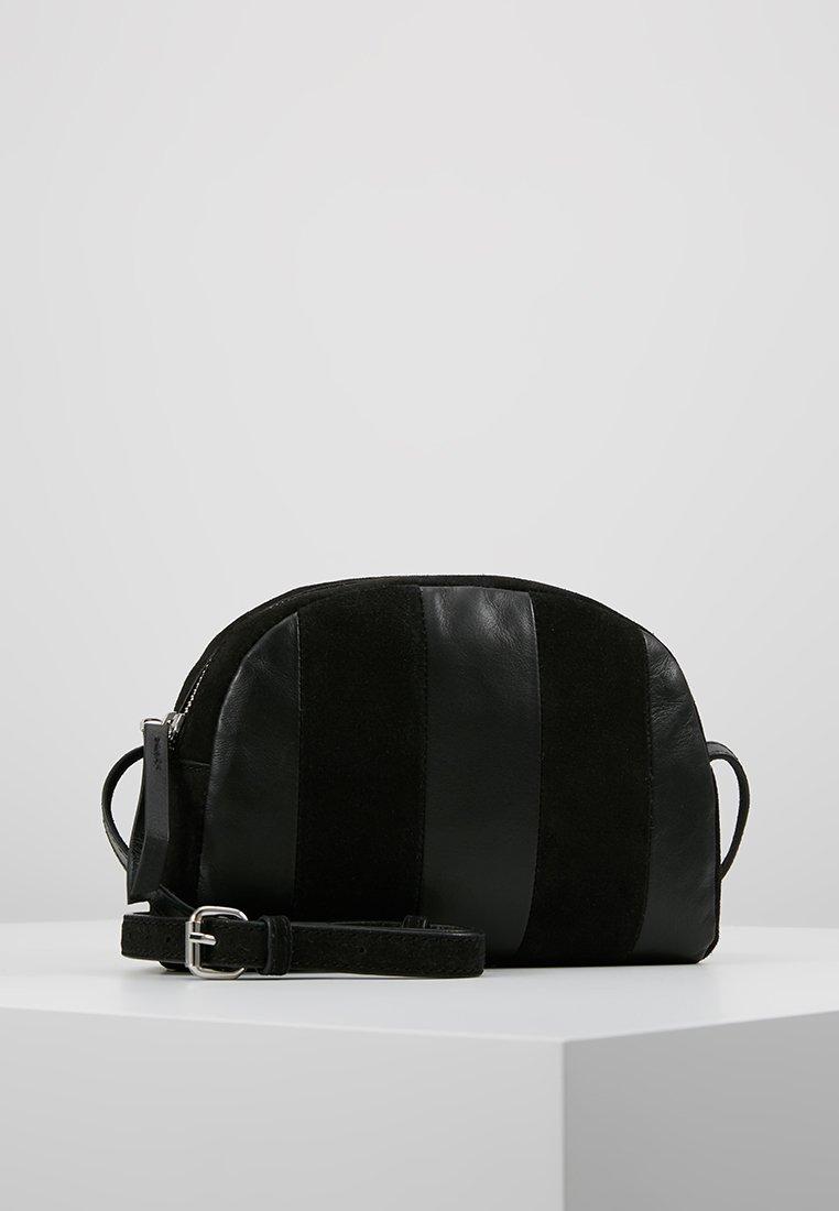 Pieces - PCELEXIA CROSS BODY - Across body bag - black