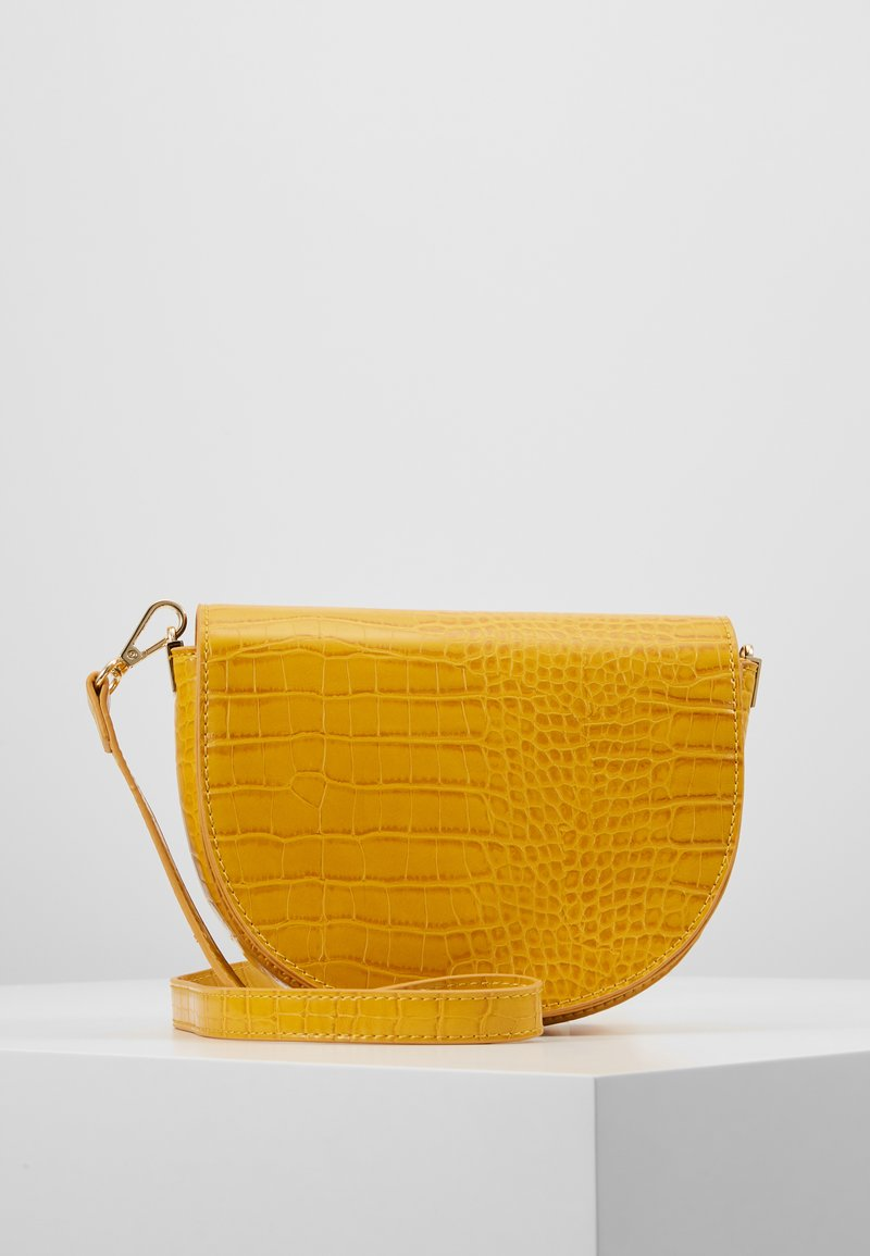 Pieces - PCMABEKA CROSS BODY - Skuldertasker - buttercup