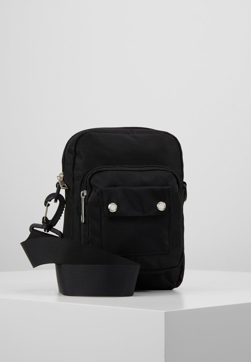 Pieces - PCAGNE CROSS BODY - Skuldertasker - black