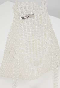 Pieces - Kabelka - bright white - 4